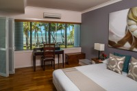Oceanfront Suite - Alamanda Palm Cove Resort & Spa