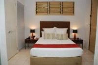 Private Retreat Queen Bed - Sanctuary Palm Cove Apartments