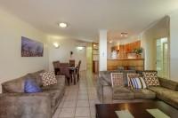 601 Mai - Open Plan Lounge & Dining Area