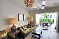 Beach Club Apartments Palm Cove - Furnishings & outlooks may vary between apartments