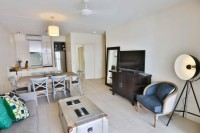 Beach Club Apartments Palm Cove 2 Bedroom Penthouse with Rooftop Spa