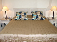 King or Twin Bedrooms -  Palm Cove Tropic Apartments
