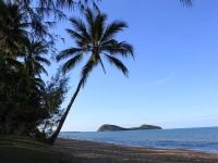 Palm Cove Beach - The perfect Beach Holiday Destination