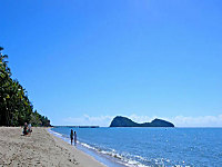 A short Walk to Palm Cove Beach