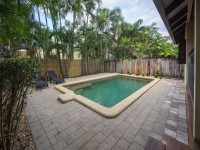 Private Swimming Pool - Palm Cove Holiday Villa