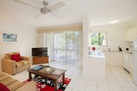 Fully self contained holiday apartments in the heart of Palm Cove