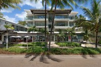 Drift Private Apartments Palm Cove - located on the Esplanade overlooking Palm Cove Beach