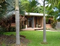 Palm Cove Holiday Villa