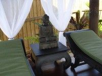 Day Beds in the Gazebo by the Pool - Palm Cove Holiday House
