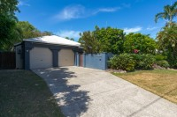 Welcome to your private Palm Cove Beach holiday home