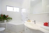 One Bedroom Oceanview Apartment - some with Spa Baths