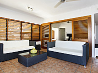 Living Area -  Paradise On the Beach Resort Palm Cove
