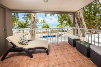 Beachfront Balcony looking out to Palm Cove Beach - - Paradise on the Beach Palm Cove Resort