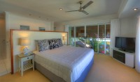Master King Bedroom - Palm Cove Holiday House