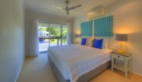 2nd King Bedroom - Palm Cove Holiday House