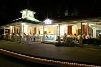 Restaurant & Bar at Large Swimming Pool - Mantra Amphora Resort Palm Cove