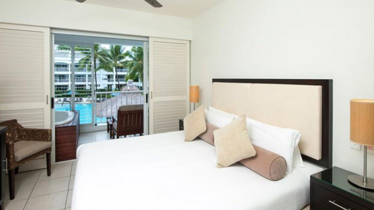 3 Night Peppers Palm Cove Resort - Beachfront Location