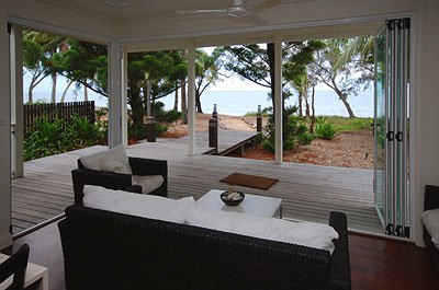 5 Nights Absolute Beachfront 4 Bedroom Luxury Holiday House