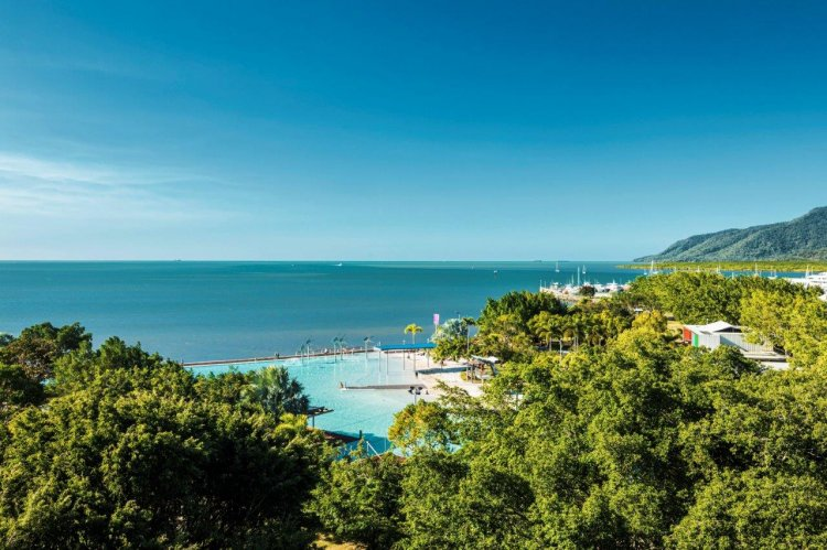 Cairns Newest Hotel NOW OPEN! Special with FREE Wine, FREE Breakfast & Late Check Out