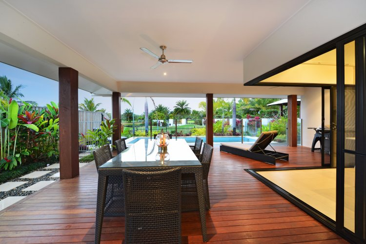 EASTER SALE Free Night Deal - Port Douglas 3 Bedroom Luxury Holiday House