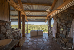 Soak up the tranquility and stunning vistas - Gilberton Outback Retreat