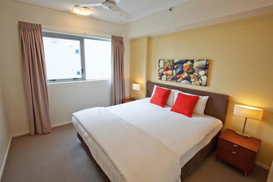 Trilogy Cairns  1 Bedroom Apartment Bedroom   Mantra Trilogy. Cairns Apartments   Mantra Trilogy   Cairns Esplanade Resort