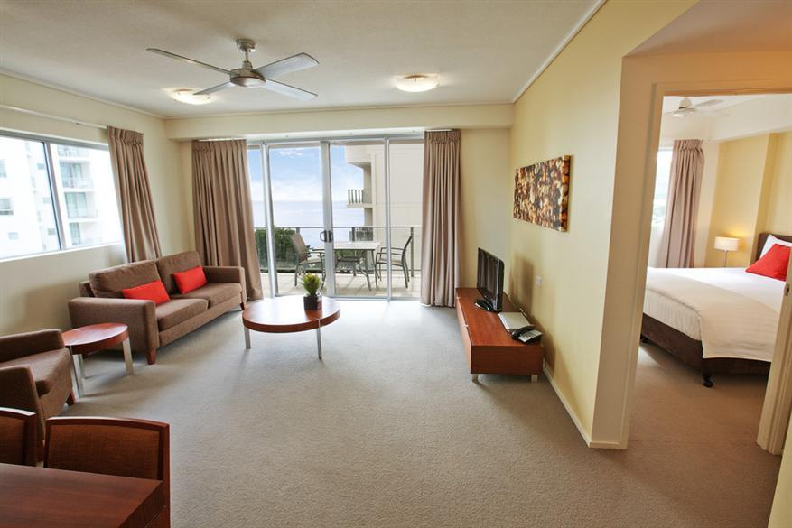 Nice 1 Bedroom Apartment   Mantra Trilogy Cairns 1 Bedroom Apartment   Mantra  Trilogy Cairns