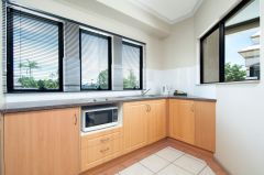 1 Bedroom Indoor Spa - Regal Holiday Apartments Port Douglas