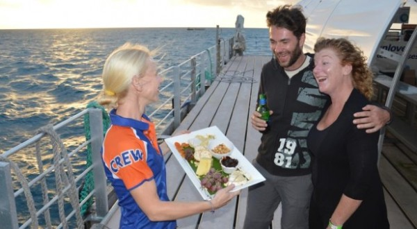 1 Night Liveaboard Platform On The Great Barrier Reef