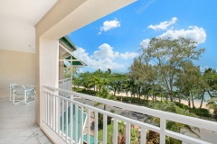 2 & 3 Bedroom Beachfront Balcony