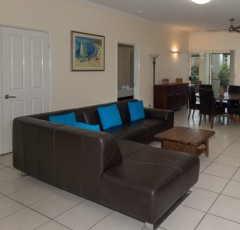 2 Bedroom Holiday Apartment - Cairns City Apartments