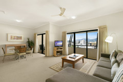 2 Bedroom Apartment - Mantra Esplanade Cairns