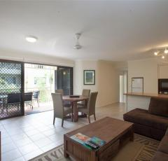 2 Bedroom Deluxe Apartment - Driftwood Mantaray Apartments Port Douglas