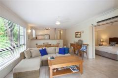 2 Bedroom Deluxe - Driftwood Mantaray Apartments Port Douglas