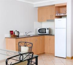 2 Bedroom Suite with Kitchenette