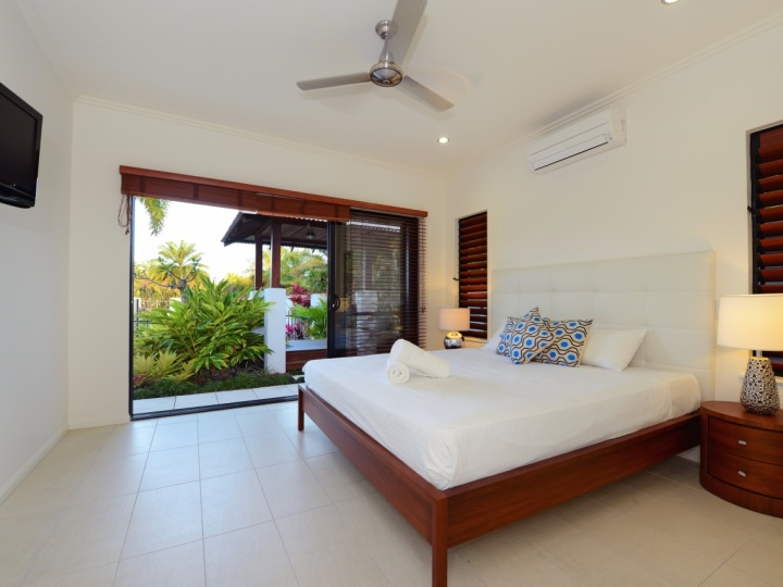 2 or 3 Bedroom Holiday House Port Douglas