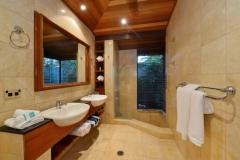 2nd Bathroom - Far Pavillions Luxury Port Douglas Holiday Villa