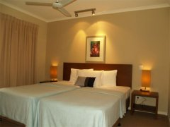 2nd Bedroom - - Private Palm Cove Holiday Apartment