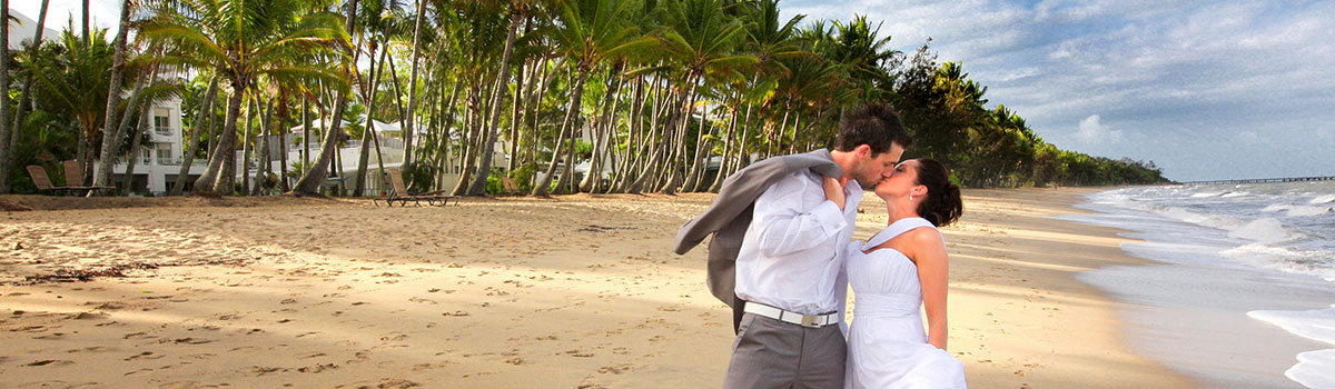 Cairns Beaches Weddings by Register Your Wedding