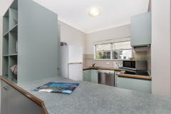 3 Bedroom Townhouse Kitchen - Palm Cove Family Accommodation