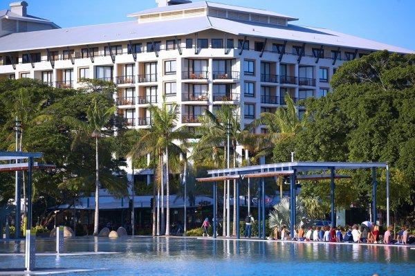 Mantra Esplanade Hotel Cairns