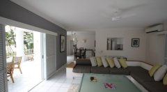 4 Bedroom Beachfront Alamanda Suite Lounge - Alamanda Resort Palm Cove
