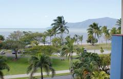 Cairns Esplanade Apartments 4 Bedroom Ocean View