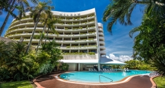 5 Star Hotel Style Accommodation on Cairns Waterfront - Hilton Hotel Cairns
