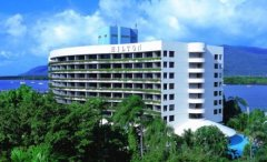 Cairns 5 Star Luxury  Hotel - Hilton Hotel Cairns located on Cairns Waterfront