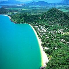 How far is trinity beach from cairns
