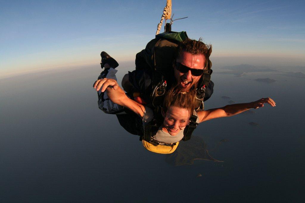 Skydive Tandem Cairns | Tandem Cairns up to 15,000 ft