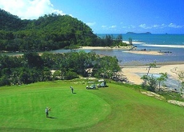 Cairns Beach Accommodation Yorkeys Knob Holiday