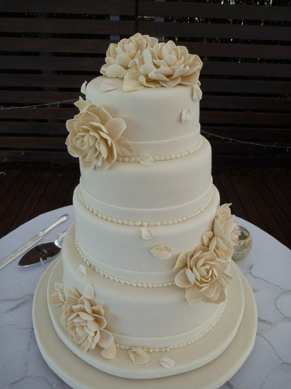 Wedding Cakes Cairns Port Douglas