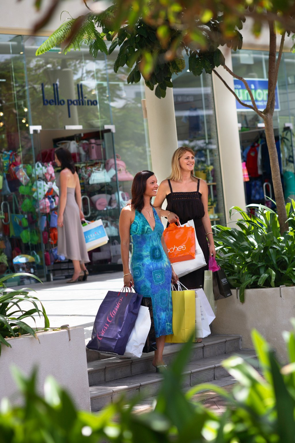 Cairns beaches shopping for Best places for christmas shopping